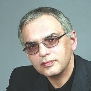 Шахназаров Карен
